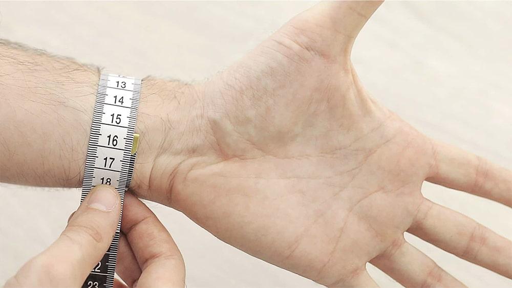 mesurer son poignet pour choisir la taille d'une montre