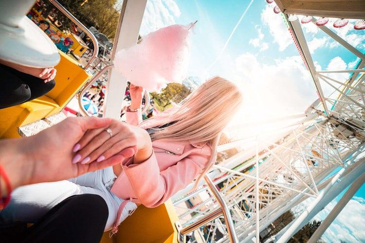 sortie au parc d'attractions pour premier rdv
